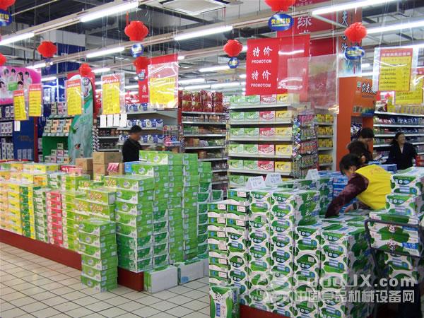 揭开奶价虚高内幕 有三成降价空间_牛奶,奶价