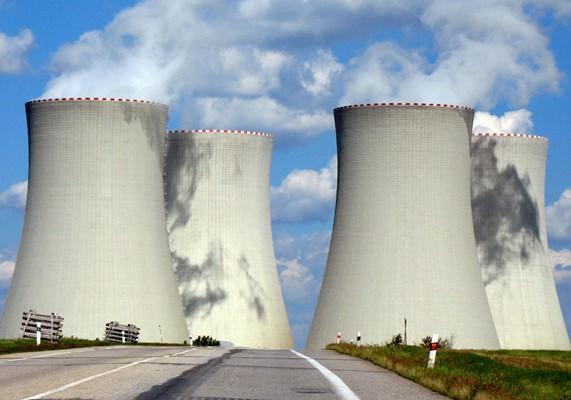大型冷却塔多用自然通风冷却塔