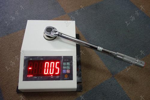 便携式固定式扭力扳手检定仪图片